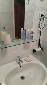 sommer apt Pinezici Krk bathroom